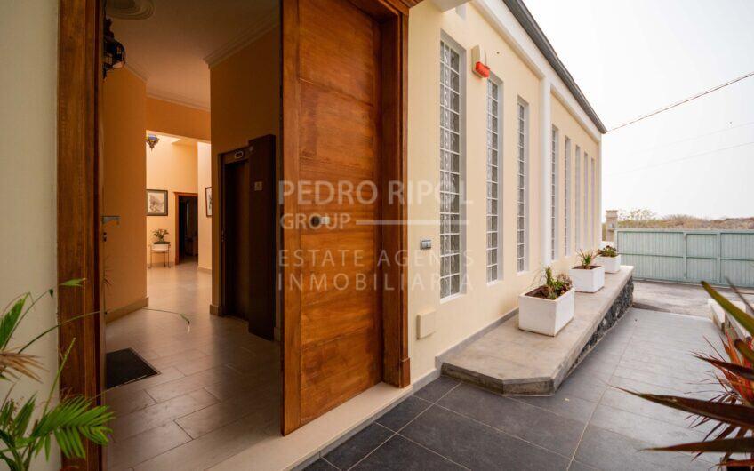 Villa en Los Menores, Adeje